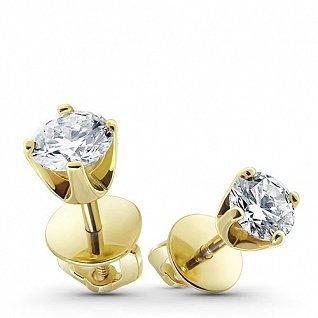 Крупнейший ювелирный ритейлер подвел итоги продаж на 8 марта и выяснил, что мужчины стесняются дарить серебро