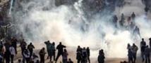 В Египте очередное столкновение демонстрантов и полиции на площади Тахрир.