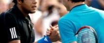 Федерер впервые побеждает в Париже.
