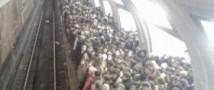 В метро участились случаи падения людей на рельсы
