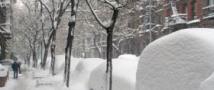 Обильный снегопад полностью парализовал Нью-Йорк.