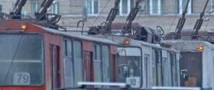 В столице неизвестные обстреляли троллейбус