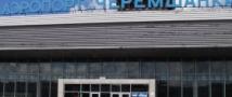 В Красноярске женщина едва не погибла под винтом самолета