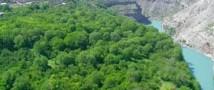 Следователи ищут подозреваемых в теракте в Дагестане