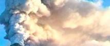 Вулкан Крымский извергся на высоту около шести километров