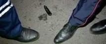 Московского полицейского неизвестный ранил ножом в шею