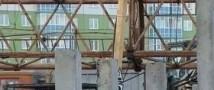 В Подмосковье башенный кран придавил трех человек