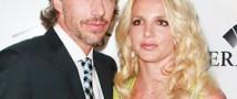 Популярная певица Бритни Спирс и ее агент Джейсон Трэвик расторгли помолвку