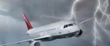 В самолет итальянской сборной попала молния.