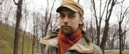 Русский фотограф напал на киевскую бронемашину