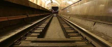 На станции «Кузнецовский мост» мужчина бросился под поезд