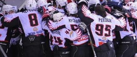 «Омские ястребы» выиграли первый матч в Кубке мира среди молодежных команд по хоккею