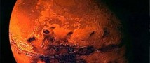 Марсоходом Curiosity обнаружил воду в грунте Марса