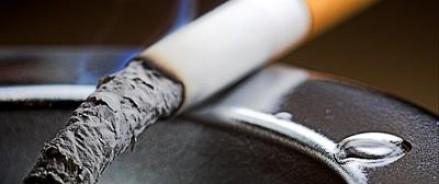 Курильщики России не боятся жутких надписей и картинок на сигаретах