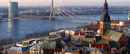 Латвия продолжает переименовывать памятники советским освободителям