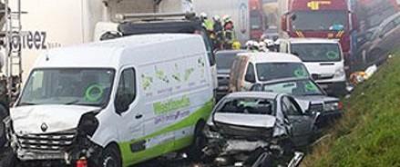 Из-за тумана в Бельгии столкнулось более ста автомобилей