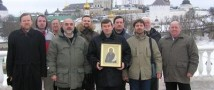Активисты, борющиеся за введение в УК новой статьи «За мужеложство», собирают подписи на Невском проспекте