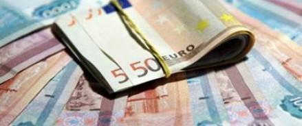 Евро не останавливает своего роста по отношению к рублю