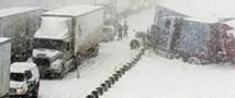 В Канаде на одной из автотрасс столкнулось семьдесят транспортных средств