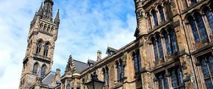 Студенты  одного из университетов Шотландии хотят видеть на посту ректора беглого сотрудника ЦРУ