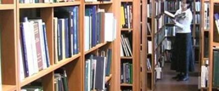 Библиотека города Омск отказалась выдавать подросткам книги Драйзера и Б.Васильева.