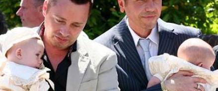 Жители стран, где легализованы однополые браки, не смогут усыновлять российских детей-сирот