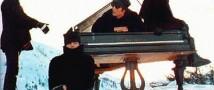 Рояль, на котором играли Джон Леннон и Пол Маккартни, будет продан на аукционе в Ливерпуле