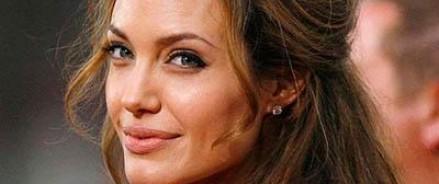 Анджелина Джоли готовиться к операции по удалению яичников