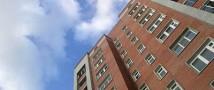 В Томске с балкона девятого этажа жилого дома выбросилась восьмиклассница