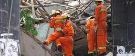 В Китае из-за обвала стены на одном из заводов погибло 18 человек
