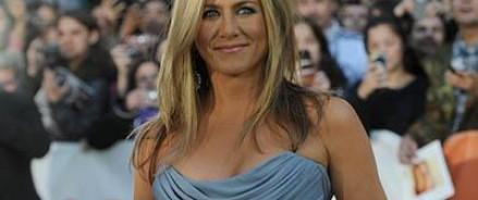 Дженнифер Энистон  сыграла обманутую жену в криминальной комедии «Подмена»