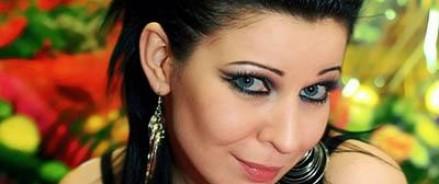 Певица Елка сменила имидж и теперь выглядит, как девочка-подросток