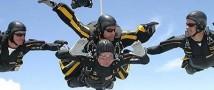 Джордж Буш-старший отметил очередной юбилей прыжком с парашюта