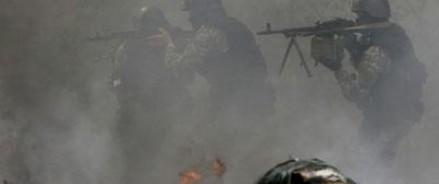 Бойцы народного ополчения заняли военную часть под Луганском