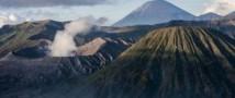 в Индонезии в результате извержения вулкана пропало 14 человек