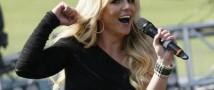 Бритни Спирс дразнит фанатов новыми фотографиями