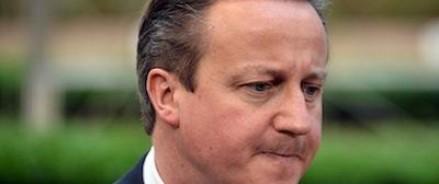 Кэмерон собирается  попросить прощения у королевы