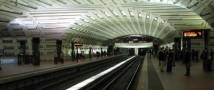 Скрипач-виртуоз Джошуа Белл выступил в метро Вашингтона