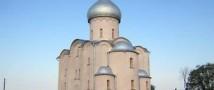 Суд Новгорода заставил женщину облагородить территорию, прилегающую к исторической памятке