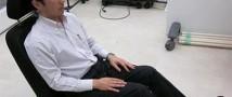 Японские дизайнеры разработали «обнимающееся» кресло