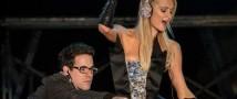 За DJ-сеты Пэрис Хилтон клубы платят миллионы долларов