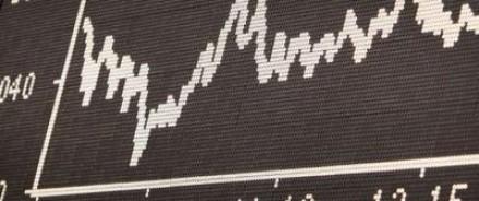 Из-за увеличивающегося спроса на валюту в банках идет распродажа долларов