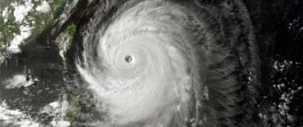 На берега Японии обрушился тайфун – 620 авиарейсов отменены