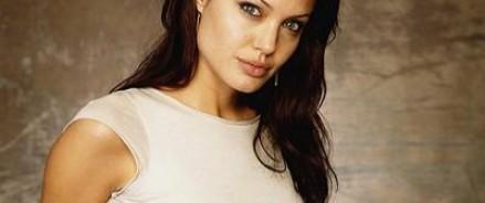 Анджелина Джоли поведала о своем браке с Брэдом Питтом