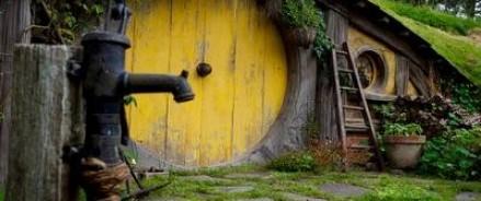 Житель Словакии построил для себя и жены дом «Хоббита»