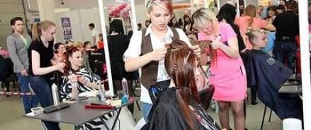 Представители РФ заняли первое место на чемпионате Европы по парикмахерскому искусству