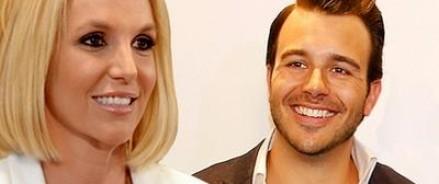 СМИ приписывают Бритни Спирс роман с бывшим женихом Шараповой
