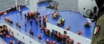Плохие погодные условия осложнили эвакуацию пассажиров с парома Norman Atlantic