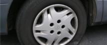 На Кузбассе один мужчина в приступе зависти проколол кухонными ножами колеса десяти шикарных авто