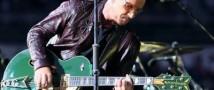 Боно начал сомневаться в своем умении играть на гитаре